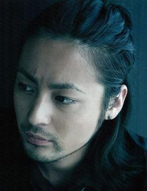 大活躍の山田孝之さんが出演しているCMを紹介したいと思います。のサムネイル画像