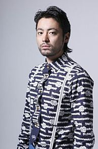 山田孝之の全力の顔芸で話題沸騰のモンハンワールドCMが話題!のサムネイル画像