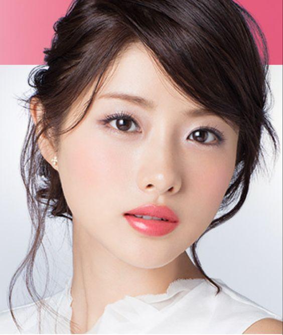 人気女優石原さとみが新恋人と沖縄へ3泊4日のお忍びデート!のサムネイル画像