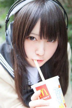 「日本一かわいいコスプレイヤー」御伽ねこむの現在の様子を追跡!のサムネイル画像