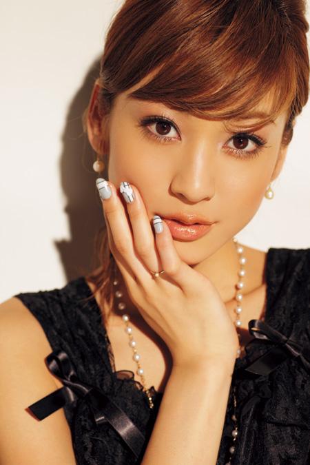 【西山茉希】早乙女太一との愛娘2ショットを披露!「そっくり」のサムネイル画像