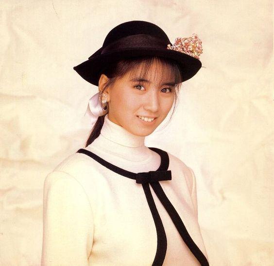 【画像】高井麻巳子の現在は?夫の秋元康や娘との関係は良好?のサムネイル画像