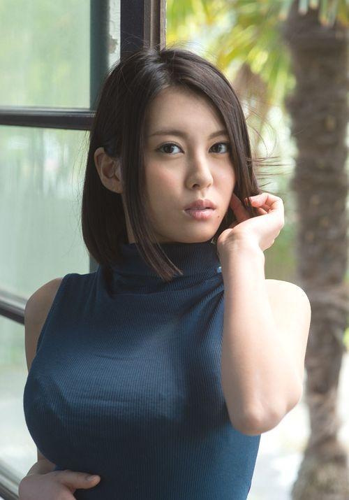 【声優】金元寿子に激似のセクシー女優「松岡ちな」とは一体何者?のサムネイル画像