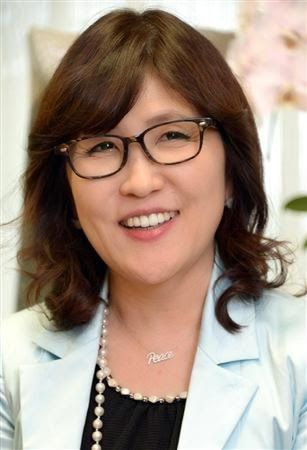 稲田朋美の若い頃が可愛い?夫や子供、タイツなど現在の様子を紹介のサムネイル画像