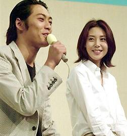 収入格差が夫婦間に溝を作ったか。松嶋菜々子と反町隆史の離婚危機!のサムネイル画像