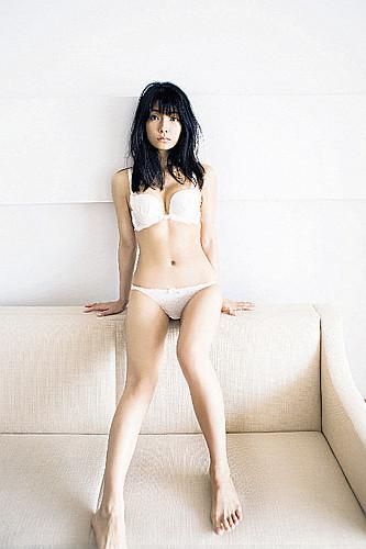 【アイドリング・外岡えりか】写真集を発売!!初の下着カット…♡のサムネイル画像