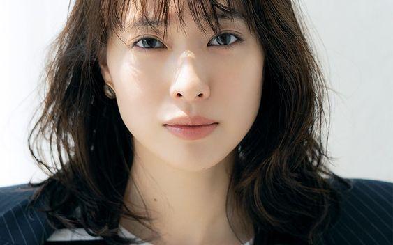 女優戸田恵梨香の歯茎は手術した!?リバースでは治ってる!?のサムネイル画像