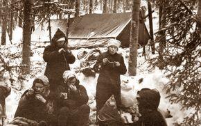ディアトロフ峠事件の真相がやばすぎる?有力説は大気物理学説?のサムネイル画像