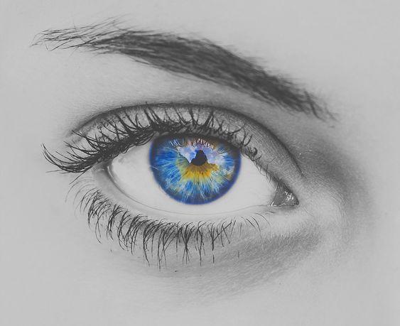 三白眼の芸能人20人!三白眼のモデルやアニメキャラもご紹介!のサムネイル画像