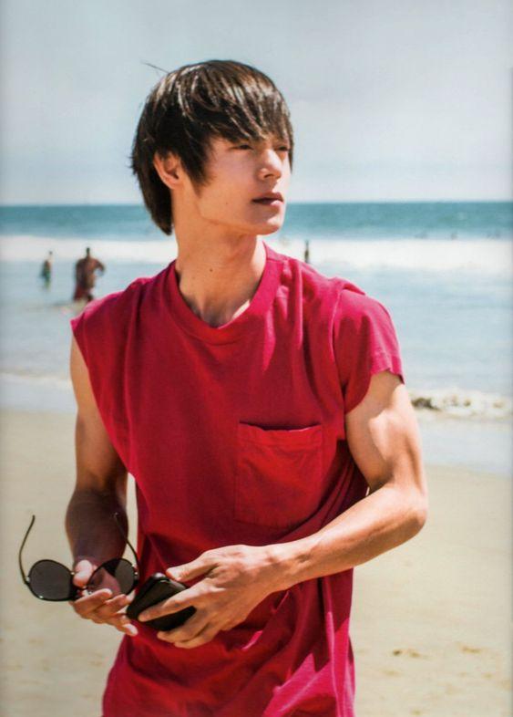 窪田正孝の筋肉に惚れる人が続出!驚きの肉体美の鍛え方とは?のサムネイル画像