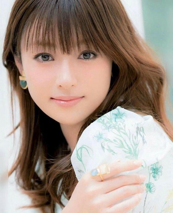 深田恭子の彼氏になれる人ってどんな人?現在の彼氏も歴代彼氏も凄すぎる!のサムネイル画像