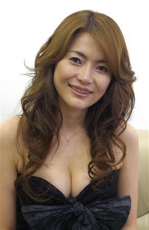 青田典子と玉置浩二の結婚生活は順調?離婚の噂?現在の年齢や収入は?のサムネイル画像
