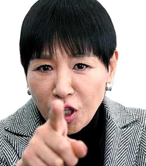和田アキ子の目が変なのはやっぱり理由があった!整形も視野にあり?のサムネイル画像