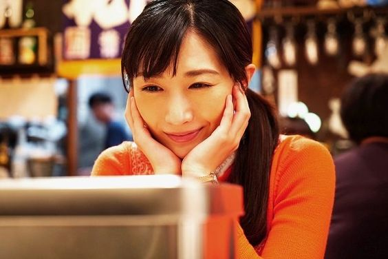 【画像あり】女優・武田梨奈は空手が上手?腹筋が立派で酒豪の噂!のサムネイル画像