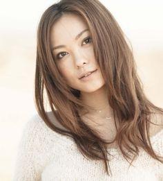モデルから助産師に転身⁉努力の人・徳澤直子の現在(2021)とは?のサムネイル画像