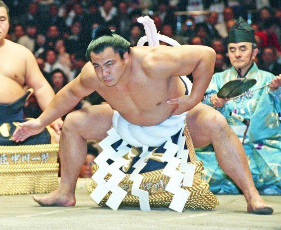 千代の富士の筋肉が凄かった⁉体脂肪率も凄い!トレーニング方法とは?のサムネイル画像