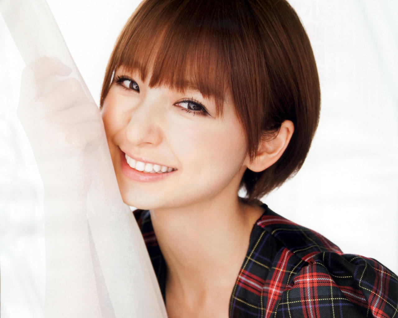 男子ウケ抜群!篠田麻里子の髪型について調べてみました!!のサムネイル画像
