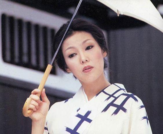 女優・太地喜和子の転落死の真相とは?生い立ちは?恋愛遍歴が凄い?のサムネイル画像