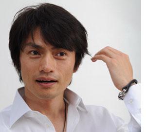 松村雄基さんの生い立ちは、一家離散?小学生から新聞配達で生活?!のサムネイル画像