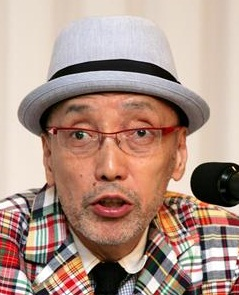 テリー伊藤さんの目は治った?!斜視も個性のひとつと生きる姿に脱帽のサムネイル画像