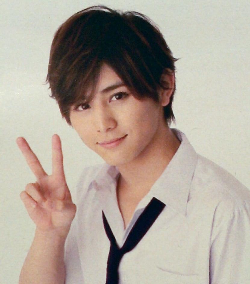 【画像あり】兄弟がいた!?JUMP山田涼介の姉が美人すぎる!のサムネイル画像