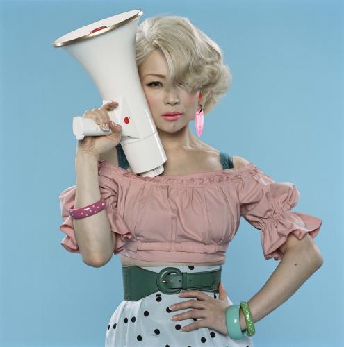 人気アーティスト椎名林檎の子供の年齢は?狙う男性は既婚者ばかり?のサムネイル画像