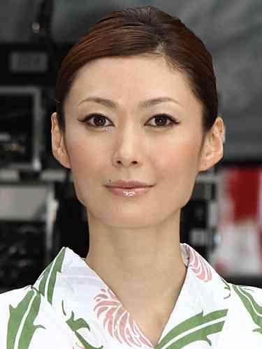 女優、田丸麻紀 さんが一年前、妊娠を報告した時の世間の反応?!のサムネイル画像
