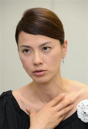 江角マキコの娘はママ友イジメ目問題で転校!!学校はどこ??のサムネイル画像