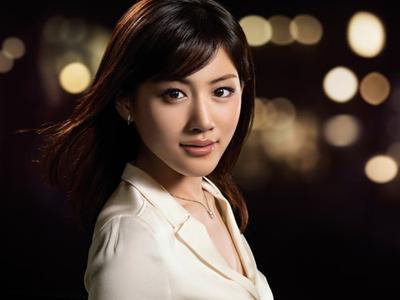 【画像アリ】あごが特徴でもある綾瀬はるかさん。その魅力とは?のサムネイル画像