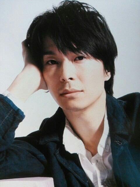 知的俳優長谷川博己の出身高校はどこ?謎多きプロフィールに迫る!のサムネイル画像