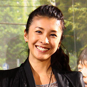 嵐の二宮和也は女優の竹内結子が好き過ぎると公言している!?のサムネイル画像
