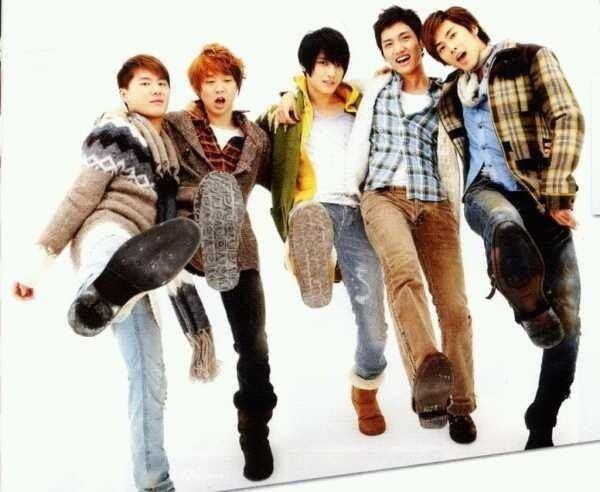 「東方神起」…5人でデビューしたスーパーグループの活動と現在のサムネイル画像