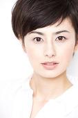 【熱愛発覚?!】ホラン千秋さんに熱愛と噂された彼氏がいた?!のサムネイル画像