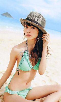 どんな柄でも着こなす、スタイルが良すぎるの桐谷美鈴の水着画像25!のサムネイル画像