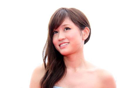 監督達が絶賛する女優!前田敦子のナチュラル過ぎる写真集!のサムネイル画像
