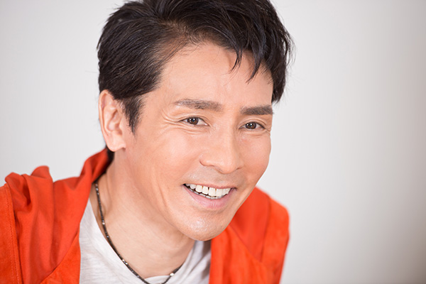 郷ひろみのコンサート2015、全国50公演がいよいよスタート!のサムネイル画像