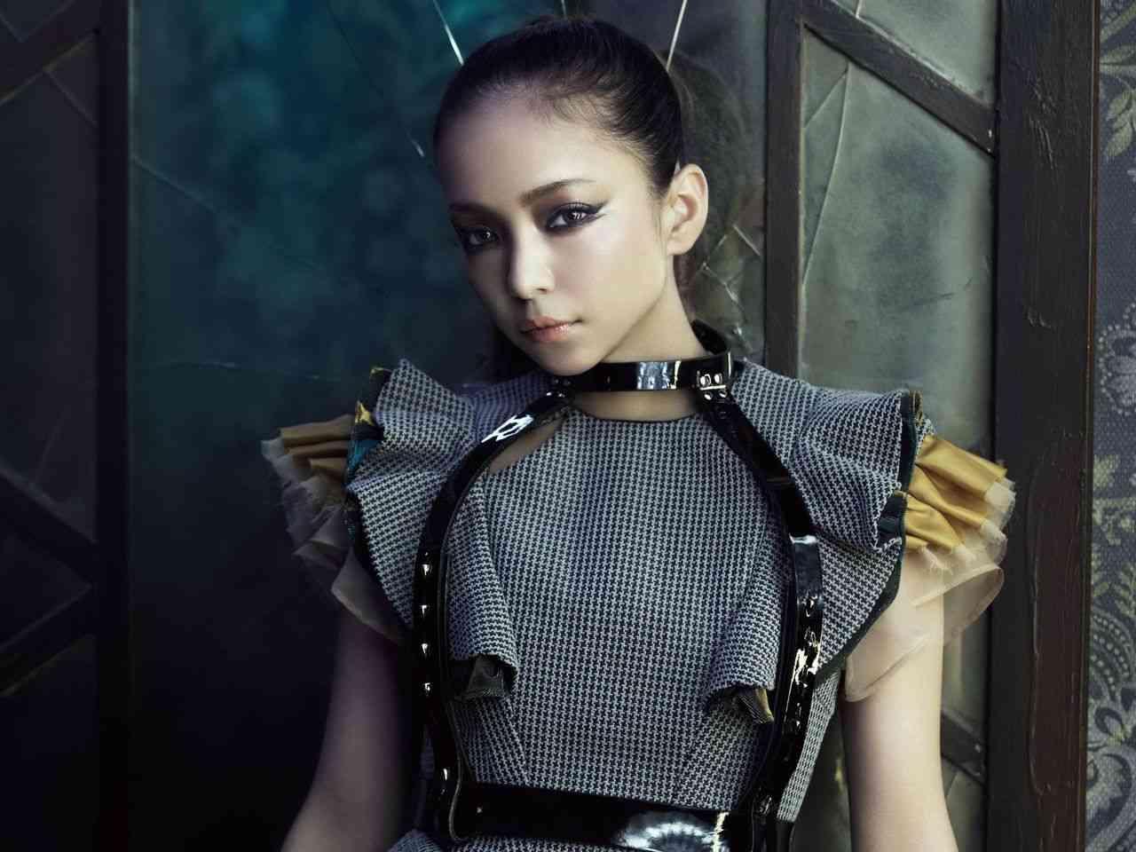 攻め続ける安室奈美恵!!英語詞の曲が大胆過ぎてホットすぎる!!のサムネイル画像