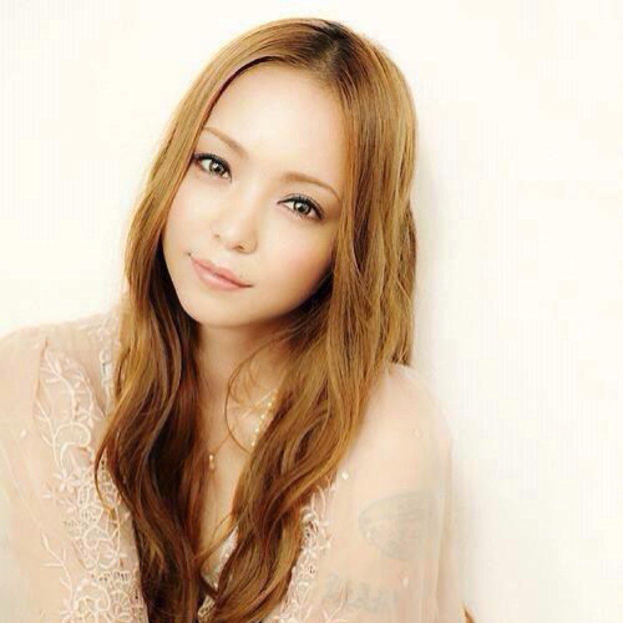 気になる安室奈美恵の身長・体重を人気モデルたちと等身を比較のサムネイル画像