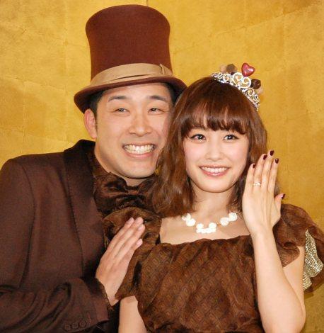 【元・アイドル】高橋愛とあべこうじの結婚ストーリー♪【芸人】のサムネイル画像