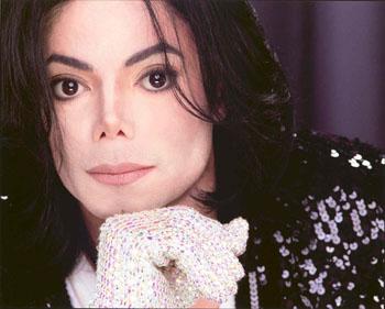 マイケル・ジャクソンの新曲と言えばコレ!聞いておくべき新曲まとめのサムネイル画像