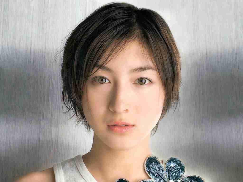 超絶かわいい37歳!広末涼子風大人透明感のかわいいメイク術♡のサムネイル画像