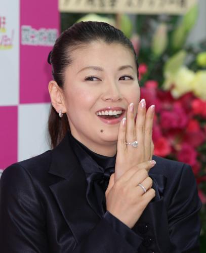 南野陽子さんの夫に不倫疑惑と借金疑惑浮上!彼女はどうなる?のサムネイル画像