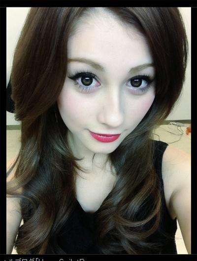 【ダレノガレ明美】美胸&谷間をあらわに…♡「叶恭子に見えた笑」のサムネイル画像