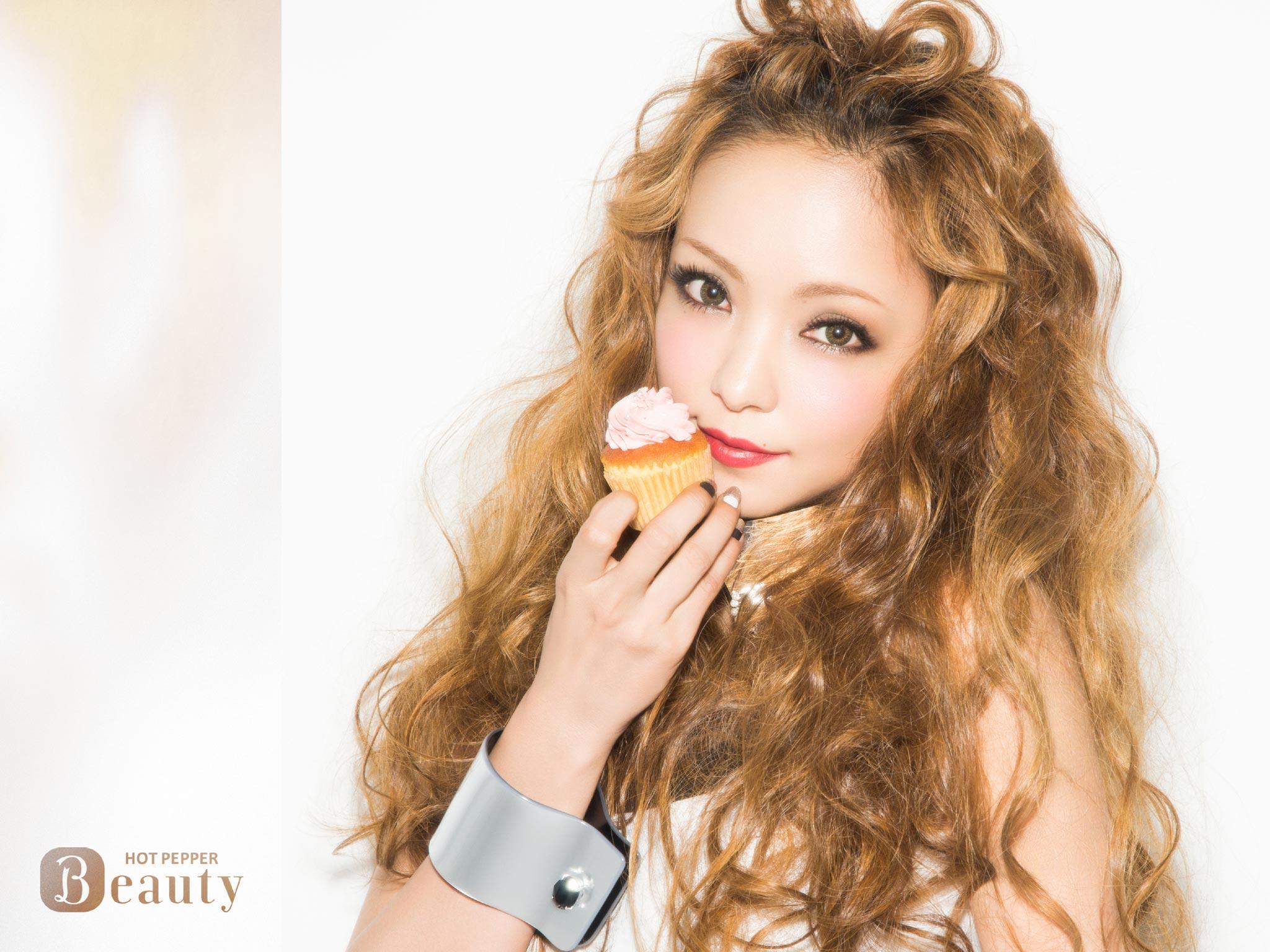 歌の女王・安室奈美恵のミリオンセラーがすごい!人気曲は??のサムネイル画像