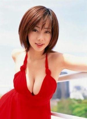 井上和香は映画監督の飯塚健と結婚し現在妊娠10ヶ月の妊婦だった!のサムネイル画像