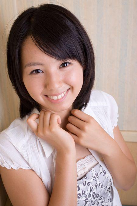 とっても可愛い小池里奈さんの写真集をぜーんぶ紹介!!【画像あり☆】のサムネイル画像