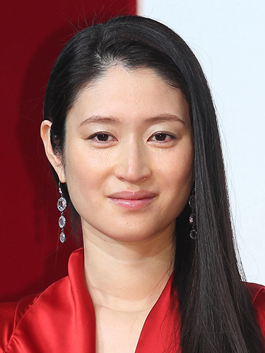 女優の小雪には子供が3人もいた!?子供の父親は松山ケンイチ!!のサムネイル画像