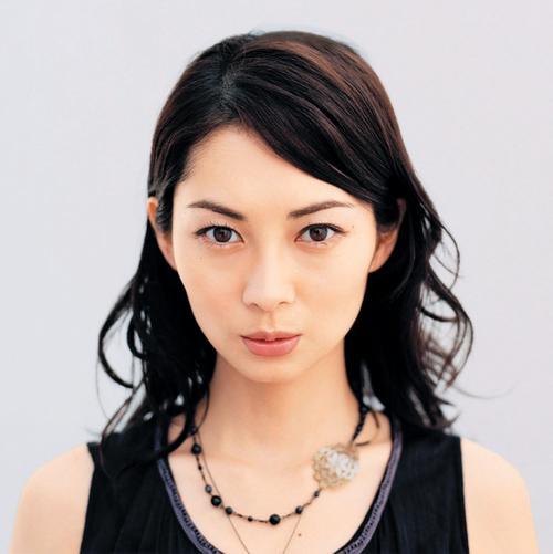 今どうしてるの?美人女優、伊東美咲の現在の姿が気になる!のサムネイル画像