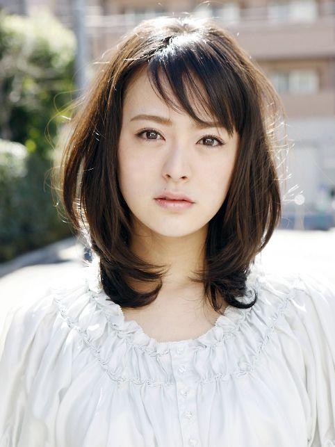 女優・貫地谷しほりさん、長年付き合っている彼とは?結婚は?のサムネイル画像