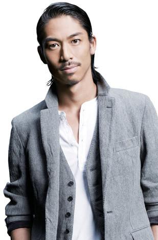 【EXILEメンバー】ダンサーAKIRAさんの知られざるパフォーマー人生。のサムネイル画像